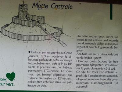 Gite rural Les Soldanelles - la motte castrale de Curienne